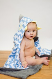 RilosandMiMi_Hooded_Bath_Towel