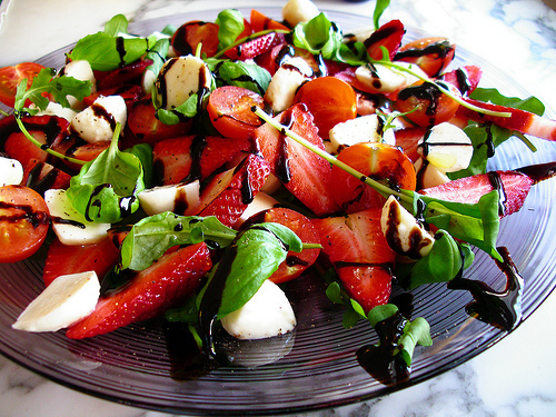tomato-and-strawberry-salad-01